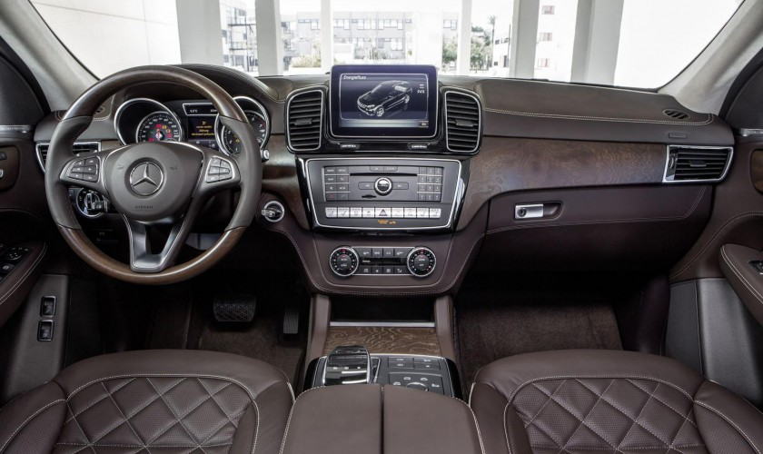 Mercedes GLE modelinin rəsmi şəkilləri və xüsusiyyətləri