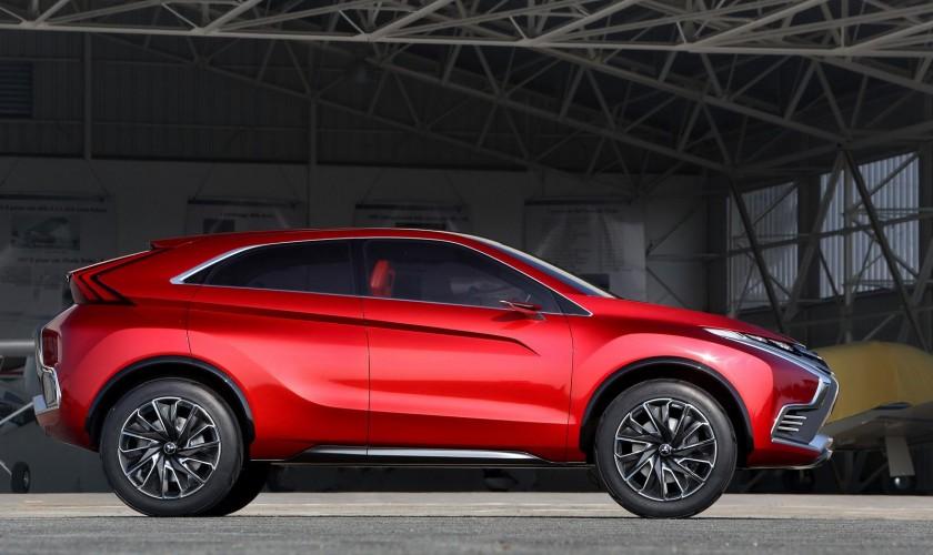 """Yeni ikinci nəsil """"Mitsubishi ASX"""" krossoveri """"Evo"""" törəməsinə sahib ola bilər"""