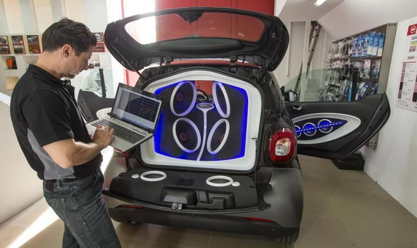 "Dünyanın ən kiçik avtomobili Smart ForTwo, ""səs bombası""-na çevrildi"