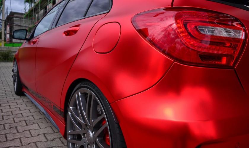 Tyuninq edilmiş hetçbek Mercedes-Benz A45 AMG