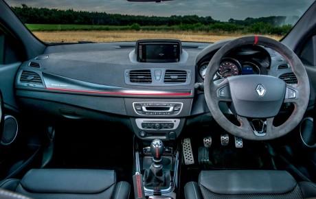 Renault Megane RS 275 Cup S və 275 NAV versiyalarının təqdimatı